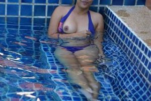 Ysalis asian shemale live escort Glenrothes, UK